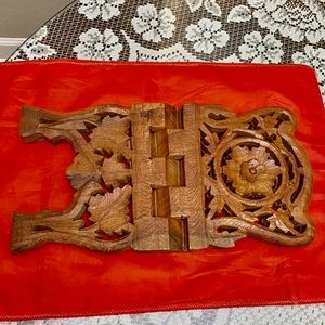 Vintage Kitchen - VINTAGE DECORATIVE HANDCARVED FOLDED BOOK HOLDER